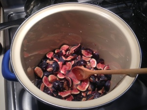 Step 2: Add figs and water to non-reactive pot.