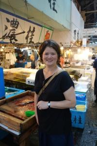 Yukari Sakamoto of Food Sake Tokyo Tours at the Tsukiji Market in Tokyo (Credit: Tim Forest)